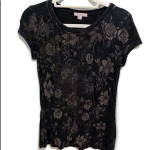 ROMEO & JULIET COUTURE T shirt size Small